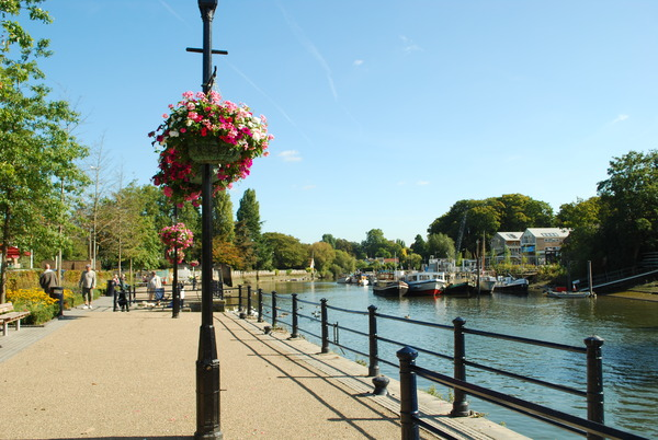 LAL London - Twickenham river