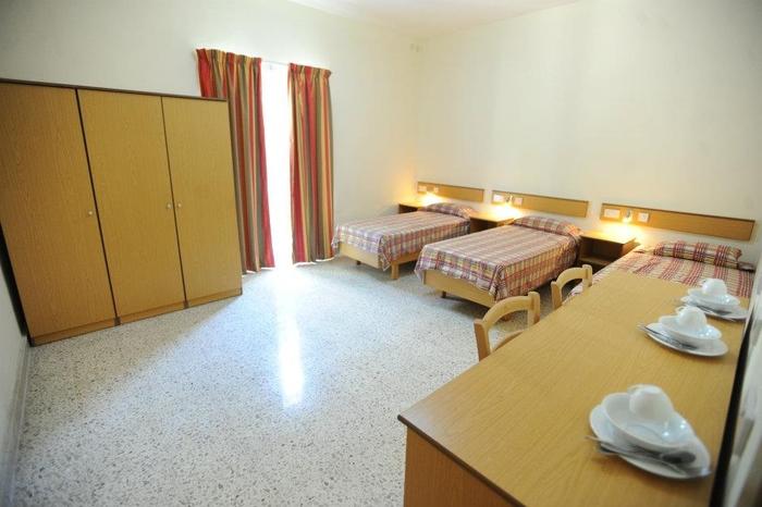 기숙사 3인실