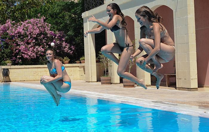 학교 수영장